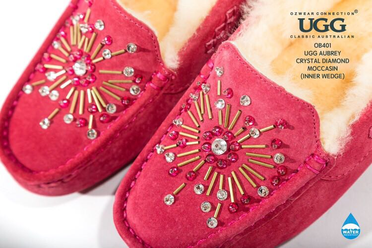 94e614f6d5e Details about UGG OZWEAR LADIES AUBREY CRYSTAL DIAMOND MOCCASIN INNER WEDGE  SHEEPSKIN OB401